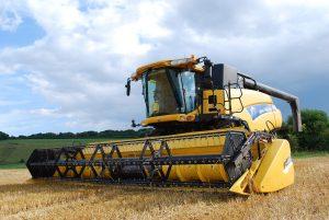 combine-harvester-702413_1280